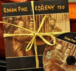 pochette CD sur violoncelle REC